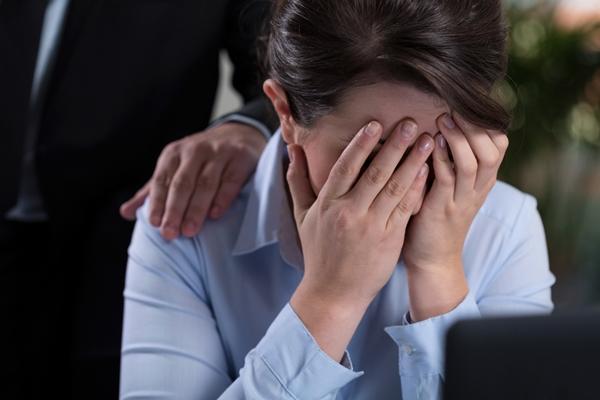 彼女が浮気で泣き落とし…!制裁か復縁かどちらを選ぶ?